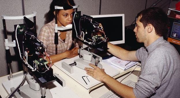 Comment devenir Ingénieur Opticien / Ingénieure Opticienne ?