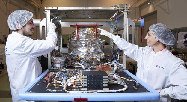 Comment devenir Ingénieur / Ingénieure Intégration Satellite ?
