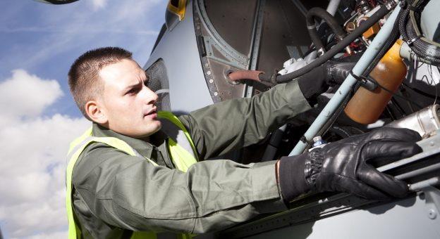 Comment devenir Militaire Technicien / Technicienne De L'Air (Mta) ?