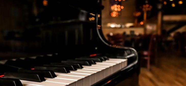 Vivre sa passion pleinement en apprenant à jouer d'un instrument de musique.